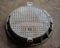 cast iron manhole cover with frame