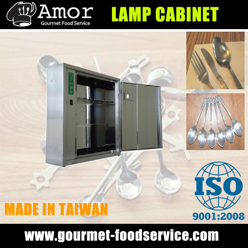 Space saving disinfection cabinet with powerful UV light