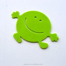 smiling face shape fancy heat resistant silicone cup mat