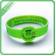 China New Design Popular thin silicone bracelet