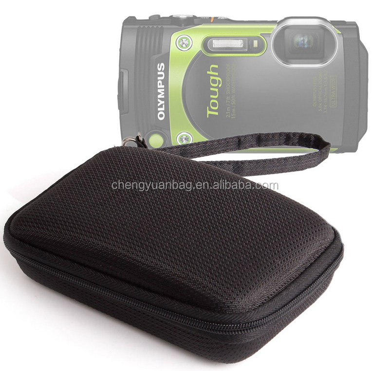 Water-Resistant Hard Shell Case in <strong>Black</strong> with Ultra-Soft Lining for the NEW Olympus Stylus TG-870 Camera