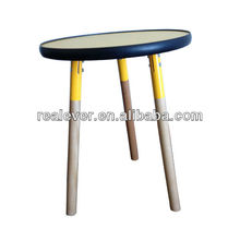 PVC reinforce three leg wood round coffee table