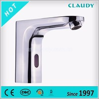 China Factory High-End Long Neck Water Saving Automatic Sensor Faucet