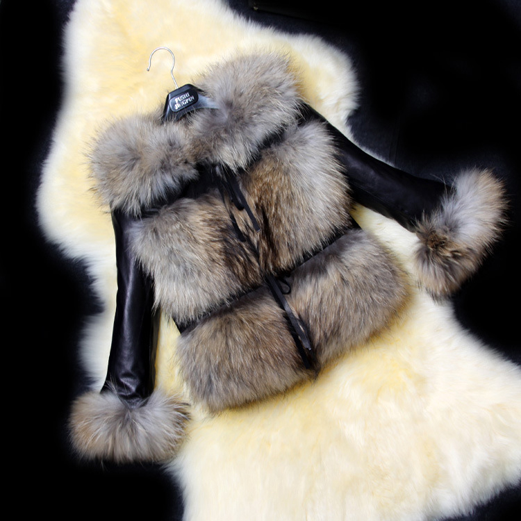 2017 PU fur manufacturers make one imitation raccoon fur coat