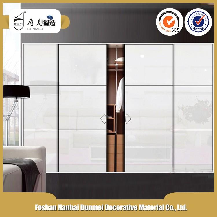 Dormitorio armario puerta corredera sistema de puertas for Porte spanish