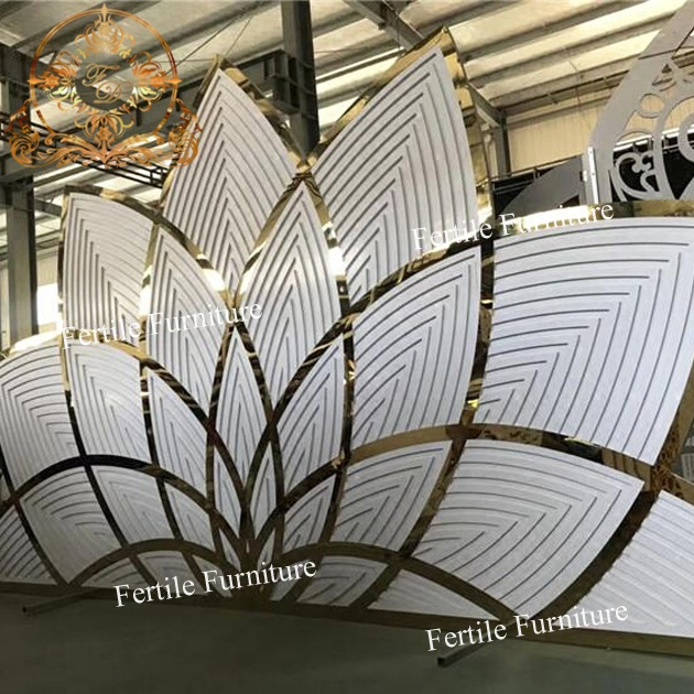 Metal Design Hot Elegant Flower Shape Photobooth Pvc