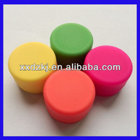 2014 hot sale small container silicone jars or wax oil extract bho