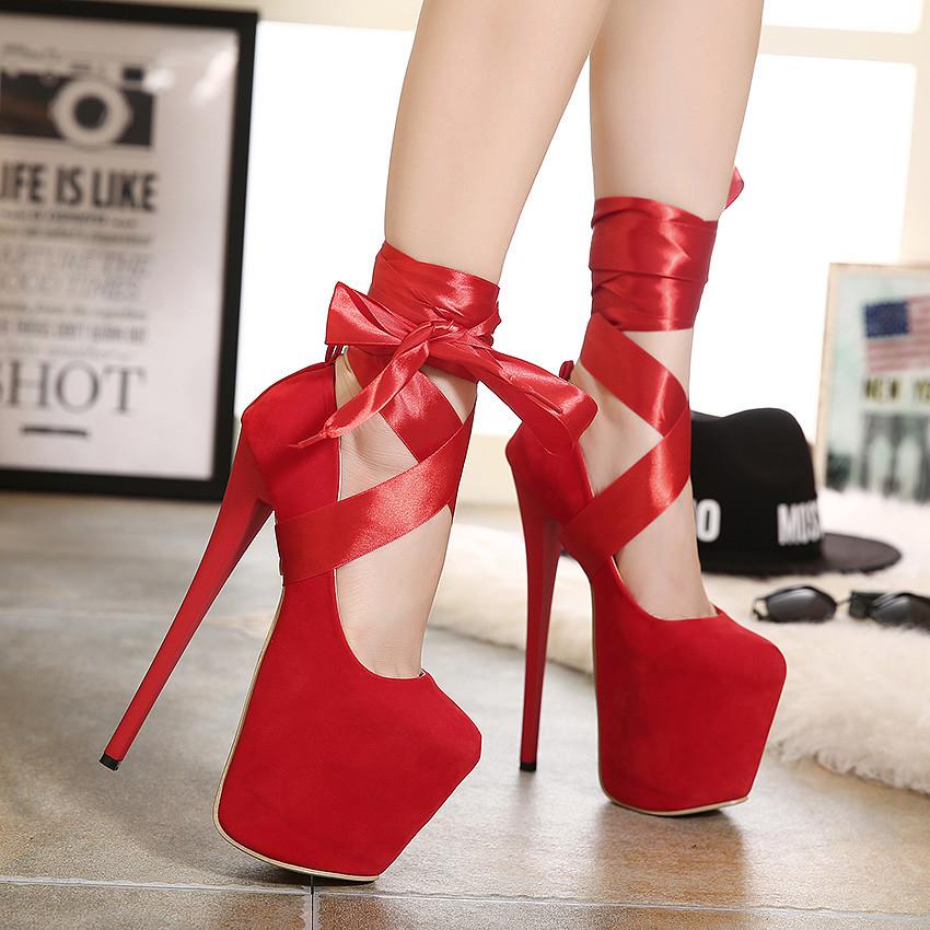 Скачать фотки девушка в красных туфлях на высоком каблуке фото 733-291