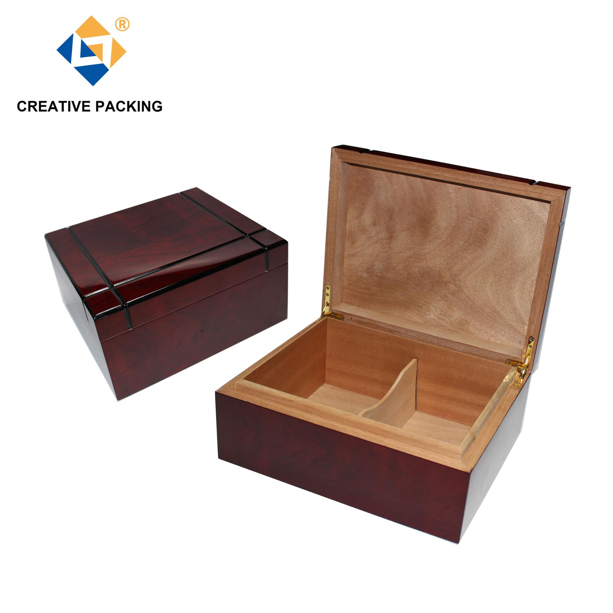 Piano Lacquer 100 Counts Large Cedar Wood Cigarette Humidor