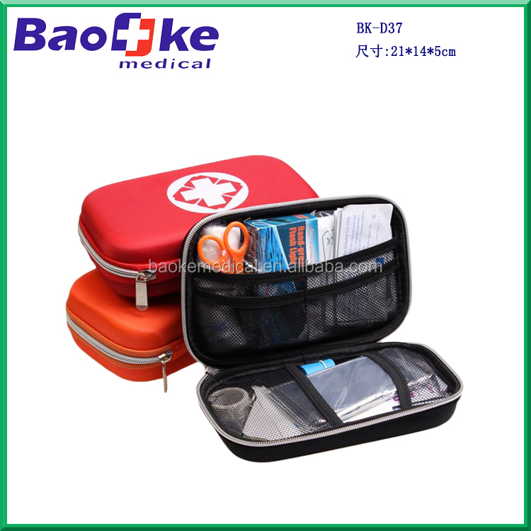 2016 High-end Travel Road trip adventure car first aid kit with flashlight and CPR mask