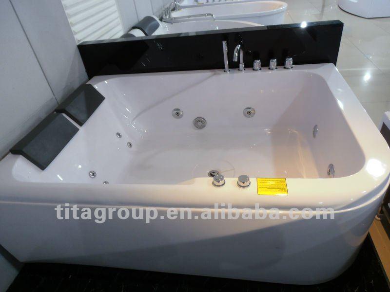 carr baignoire pour 2 personnes baignoire bains. Black Bedroom Furniture Sets. Home Design Ideas