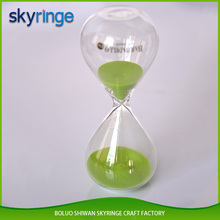 Hot selling wholesale products clear beautitul 60 minutes hourglass glass sand timer