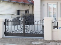 2016 latest cheap price simple house main gate design / black color iron main gate grill designs / indian house main steel gate