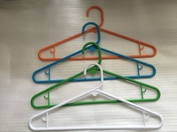 wholesale fashion brand clothes plastic hangers and supermarket plasitc hangers for woman
