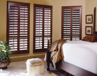 Adjustable electric motors basswood louvers window plantation shutters for home