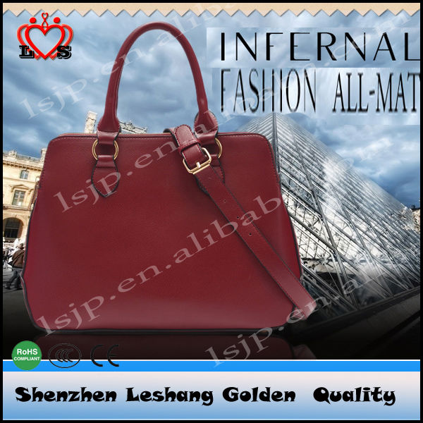 Fashionable women purse and handbags