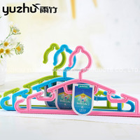 Newest Design Top Quality Plastic Wholesale Children Hangers