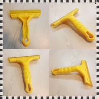 2016 Hot new window cleaning equipment, cowhells plastic squeegee with long handle for window, cars in yellow color
