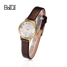 Hot selling competitive price professional fashion vogue ladies watch