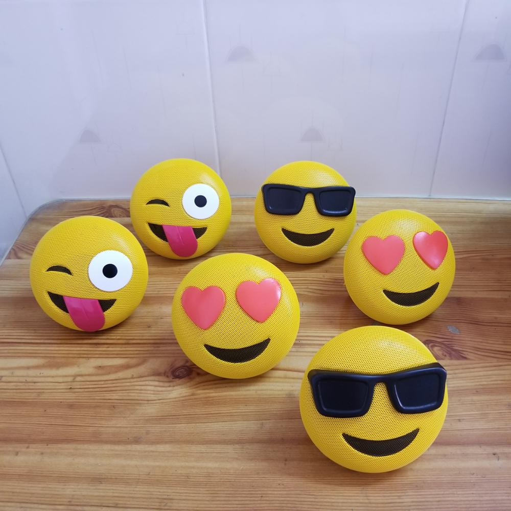 cute cheap High Quality Smile Face Emoji shape Wireless BT Mini Portable <strong>Speaker</strong>