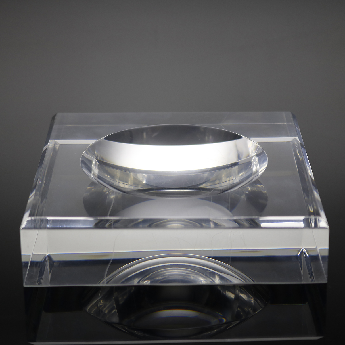 factory wholesale acrylic ashtray customized hotel / home / outside acrylic ashtray is acceptable