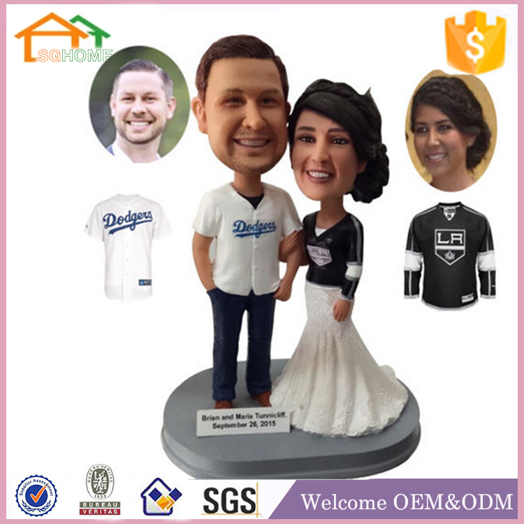 Factory Custom made home decoration polyresin chinese wedding cake topper