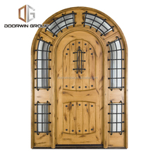 China manufacturers fancy exterior arched entry door knotty alder wooden swing door for home