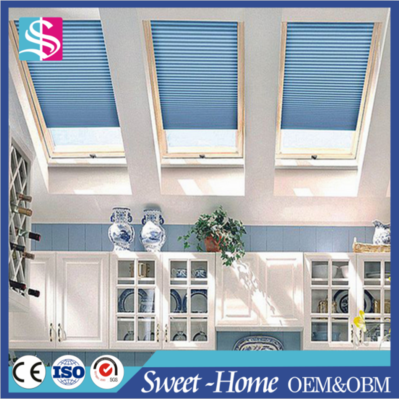Blackout pleated skylight covering roof blinds