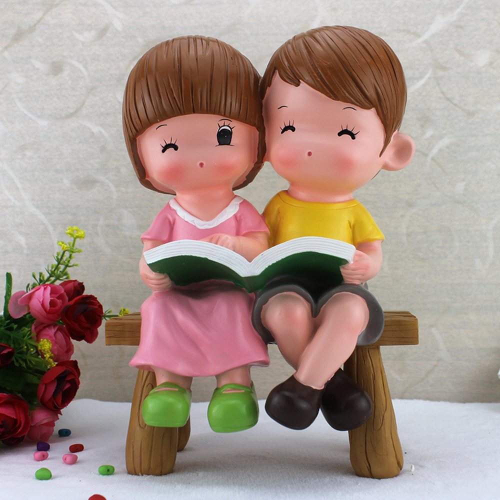 Hot selling polyresin wedding couple doll figurine decoration