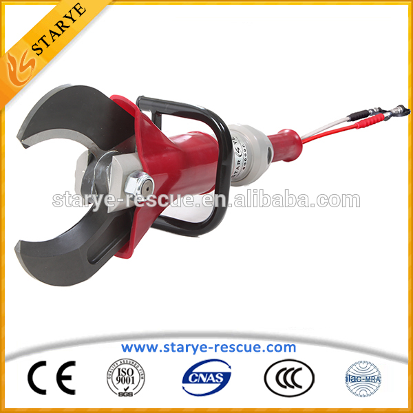 Fire Rescue Usage Car Accident Using Portable Hydraulic Cutting Tools