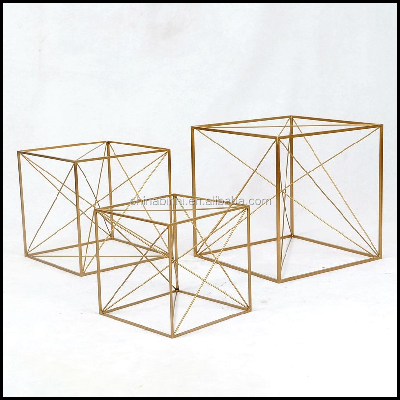 Europe Metal Craft Patio Furniture Abstract Geometric shapes Art Metal With Gold Craft With Hotel Furniture And Home Decor Items
