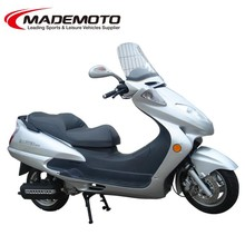 EEC Approved Gas Motor Scooter Equipped with 12V 9AH Battery