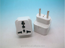 Universal 4.0mm 10A universal to two pin Eu plug adapter with CE