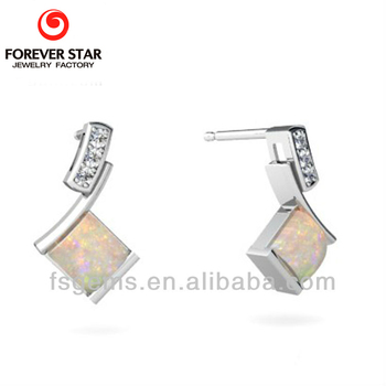 W1E000304A With the Best Price 925 Silver White Opal Stone Earrings Jewelry