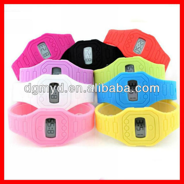 Cheap LCD display 3ATM ultrathin silicone electronics smart watch cheap