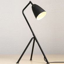 three legs E27 led table lamp decorative desk light