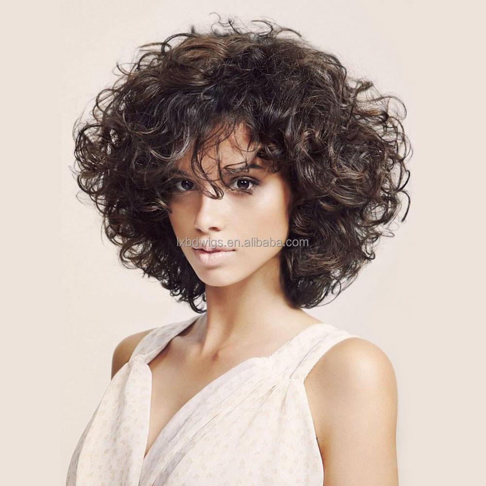 прическа для слегка вьющихся волос