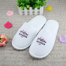 Fast delivery 5 star hotel supplies disposable cotton custom logo hotel <strong>slipper</strong>