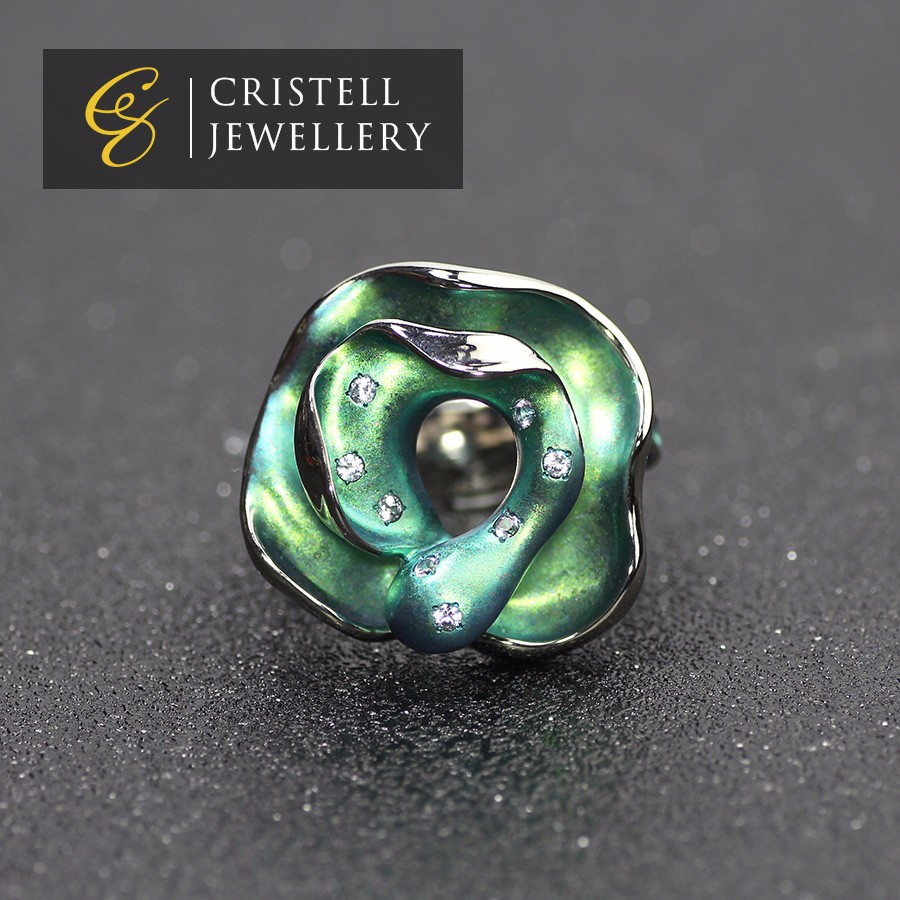high end green rose shaped Ultra light Ultra hard anti-allergic pure titanium ring jewelry with white sapphire for woman