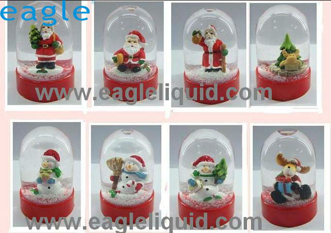 cheap small christmas plastic snow ball water globe