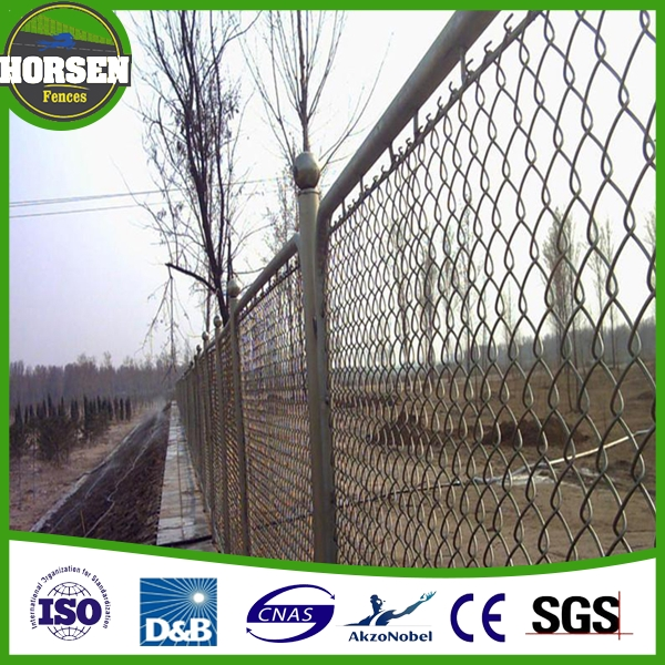 Manufacturer directly supply chain link fence top barbed wire