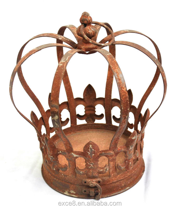 Rusty Europe kings metal crown for home decoration