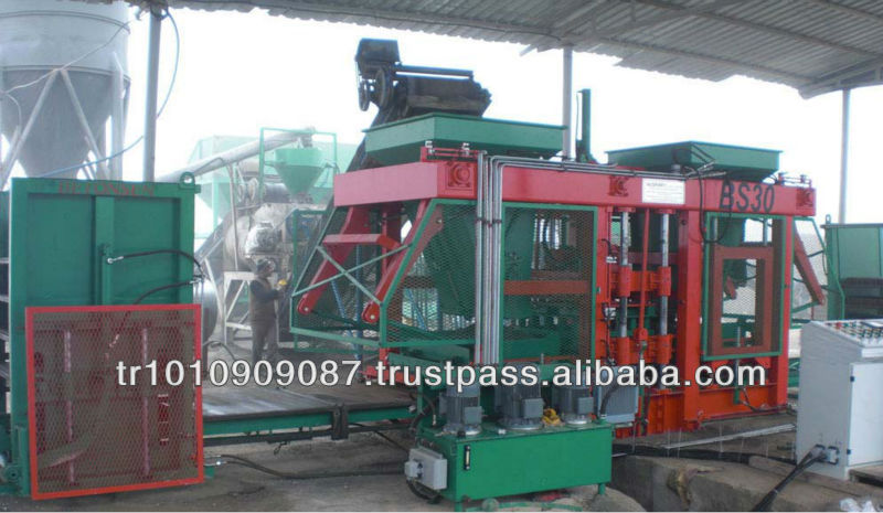 CONCRETE BLOCK MAKING MACHINE BS30