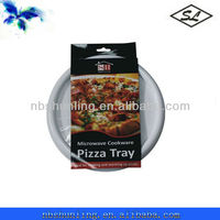 Circular plastic microwave cooking pizza tray