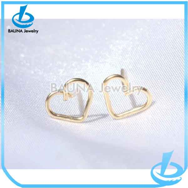 Vogue girl shiny gold plated custom ear jewelry metal Heart stud earrings in gold