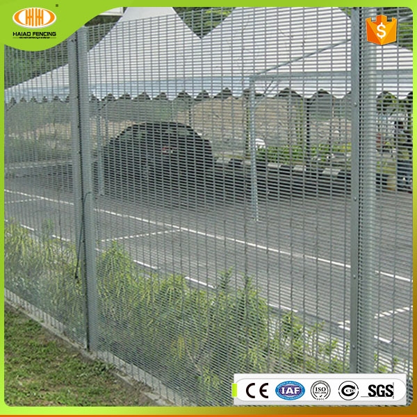 low price high quality china supply top anti climb ce welded wire mesh security fence