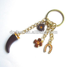 Horseshoe clevis lucky charm cheap promotional keychains