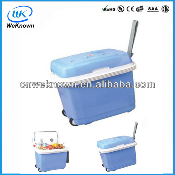 Portable thermoelectric cooler and warmer 30L