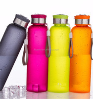 Hot selling product of BPA free custom private label reusable camping plastic water bottle with handle rope