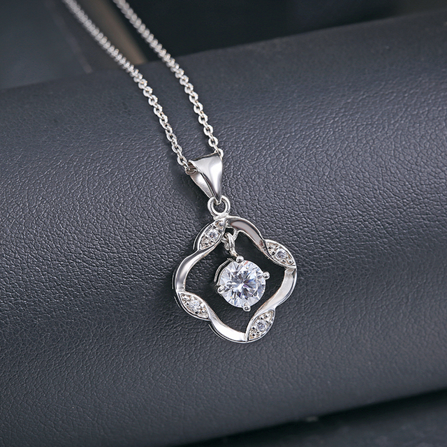 S925 silver jewelry clover shaped with bounce cz stone pendant necklace